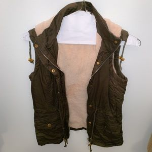 Tops - Army vest